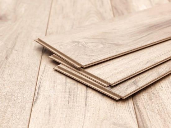 Vinyl flooring vs Laminate flooring