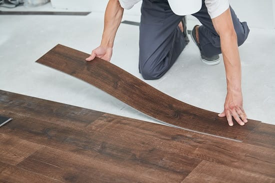 Vinyl flooring vs Laminate flooring image