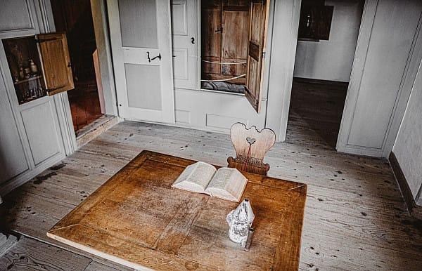 Hardwood floor image