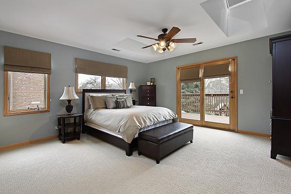 Light colour carpet image