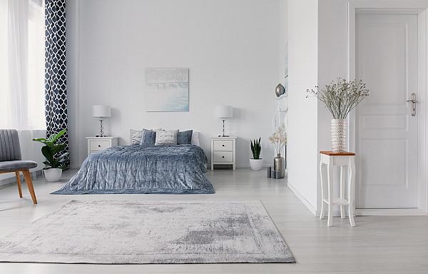 Light grey laminate flooring image