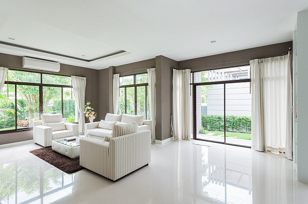 Gloss porcelain tile flooring image