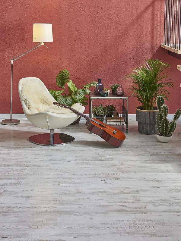 Rustic look laminate flooring image